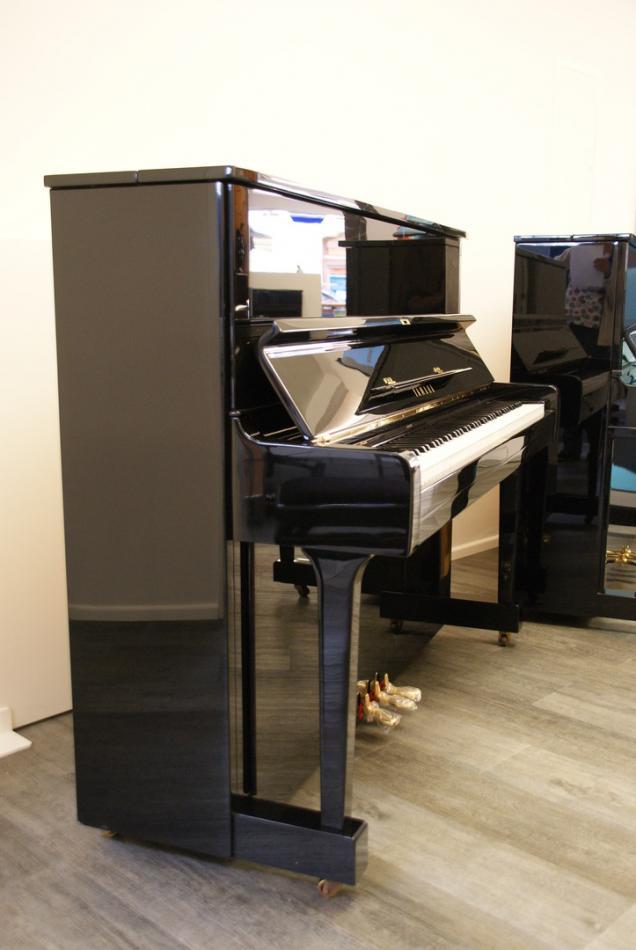 klavier yamaha u1 kaufen pianova. Black Bedroom Furniture Sets. Home Design Ideas