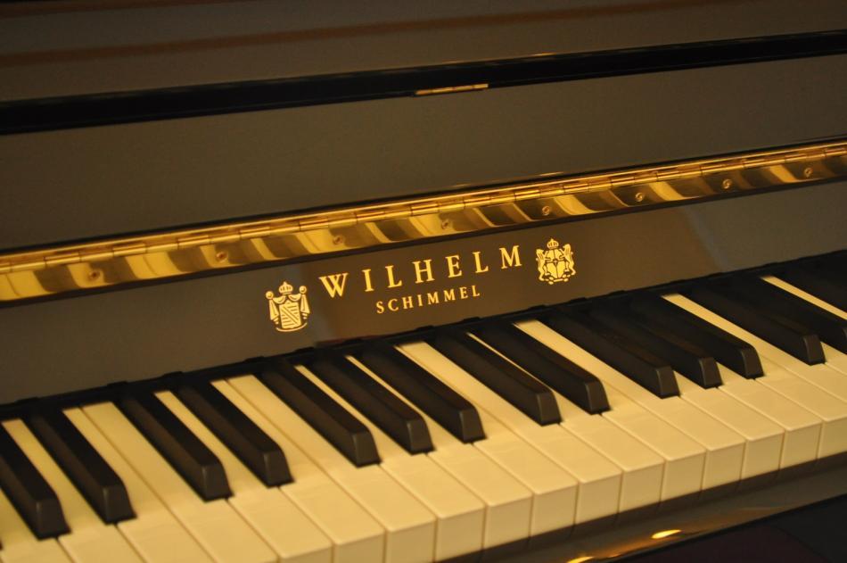 klavier schimmel w114 tradition kaufen neues schimmel modell wilhelm schimmel 114 pianova. Black Bedroom Furniture Sets. Home Design Ideas
