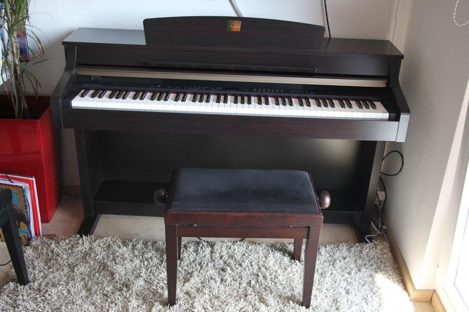digitalklavier yamaha kaufen yamaha clavinova clp 330. Black Bedroom Furniture Sets. Home Design Ideas