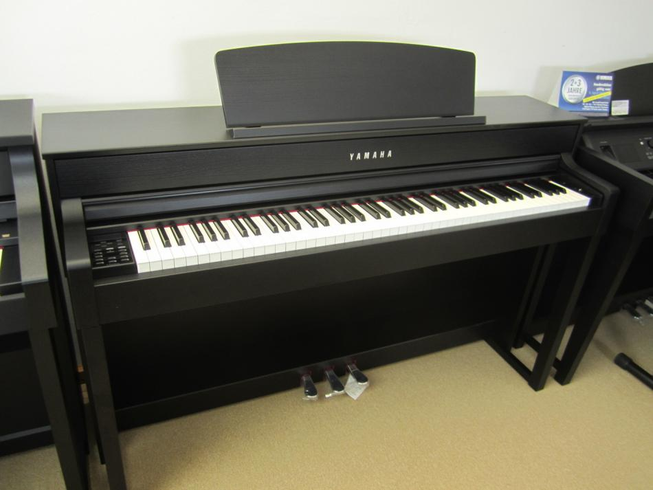 digitalklavier yamaha clp 575 kaufen clp 575 mit soundbox f r volleren klang pianova. Black Bedroom Furniture Sets. Home Design Ideas