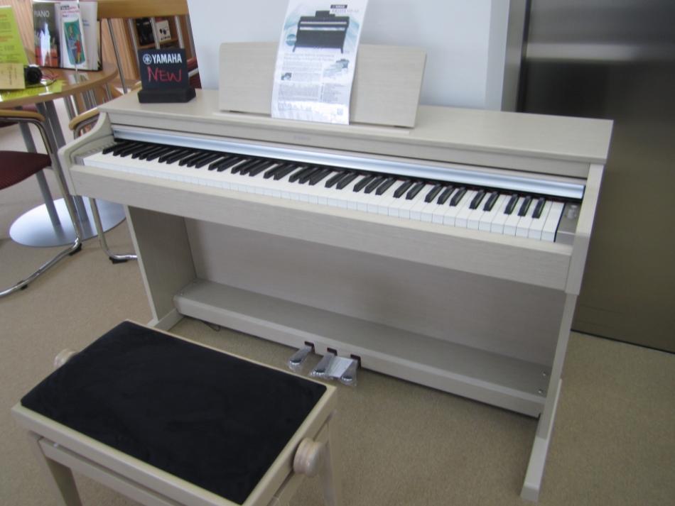 digitalklavier yamaha kaufen ydp 163 das neue modell der arius serie pianova. Black Bedroom Furniture Sets. Home Design Ideas