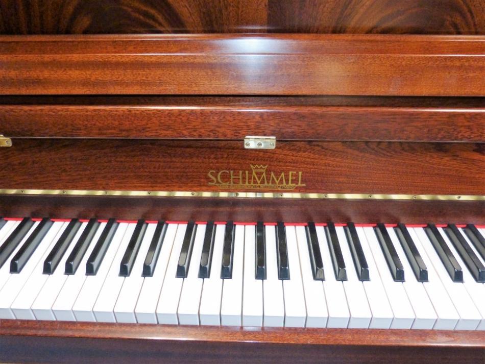 klavier schimmel kaufen schimmel 114 gebraucht pianova. Black Bedroom Furniture Sets. Home Design Ideas