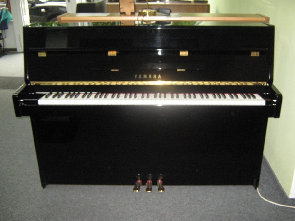 klavier yamaha c108 kaufen sehr sch nes gepflegtes yamaha klavier pianova. Black Bedroom Furniture Sets. Home Design Ideas