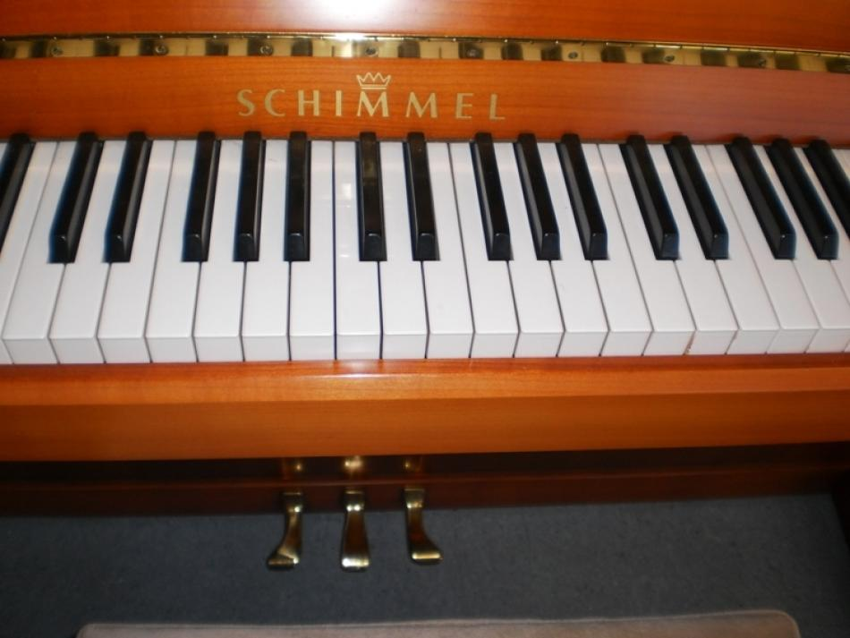 klavier schimmel 122 kaufen sondermodell 122 konsolenklavier kirschholz pianova. Black Bedroom Furniture Sets. Home Design Ideas