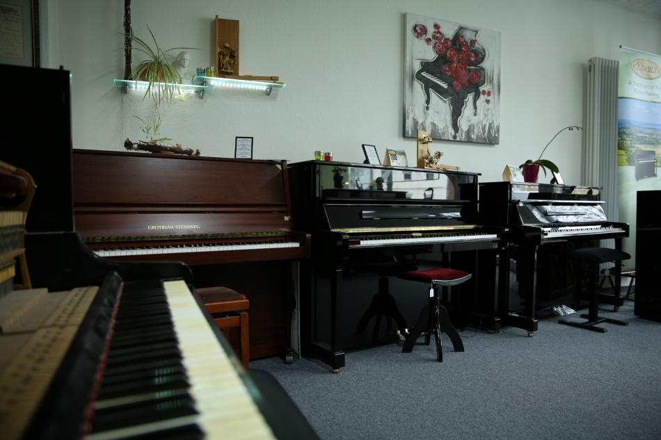 klavier riese kaufen gutes gebrauchtes einsteiger klavier pianova. Black Bedroom Furniture Sets. Home Design Ideas