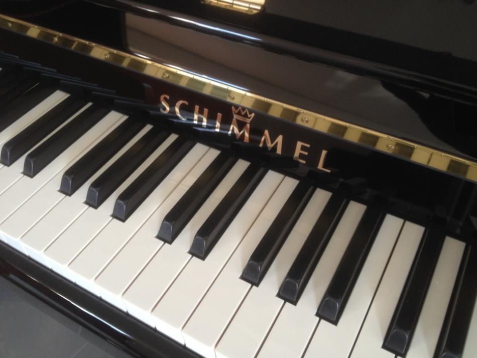 klavier schimmel 116st kaufen neuwertiges schimmel pianova. Black Bedroom Furniture Sets. Home Design Ideas