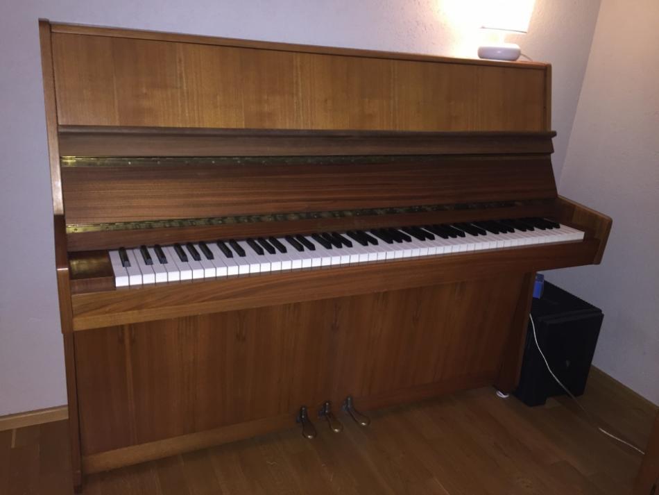 klavier schulze pollmann kaufen gebraucht piano von schulze pollmann pianova. Black Bedroom Furniture Sets. Home Design Ideas