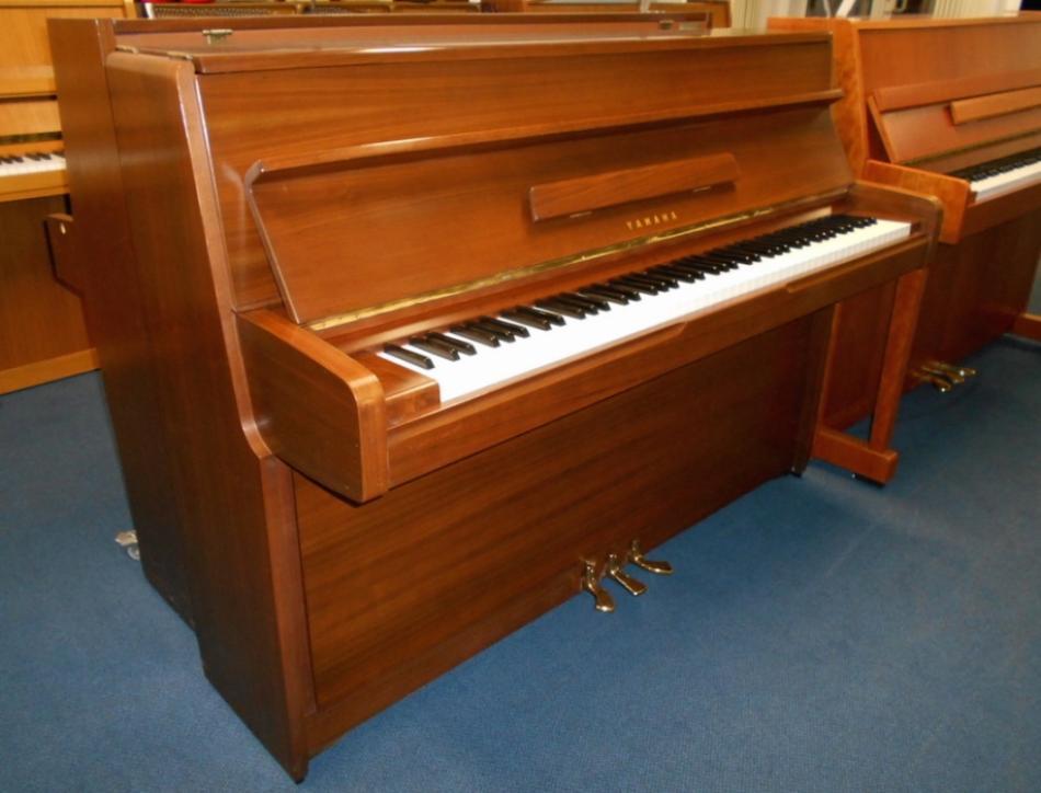Upright piano yamaha buy yamaha klavier m1 106 for Yamaha m1 piano