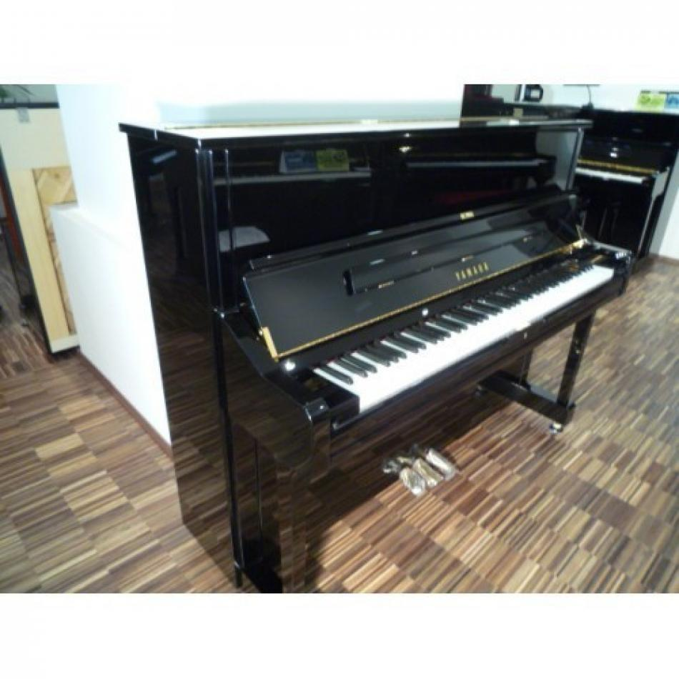 klavier yamaha u1q kaufen pianova. Black Bedroom Furniture Sets. Home Design Ideas