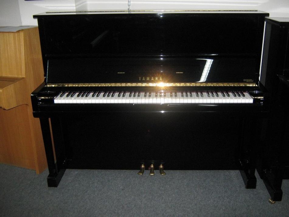 klavier yamaha u10a kaufen junges gebrauchtes yamaha. Black Bedroom Furniture Sets. Home Design Ideas