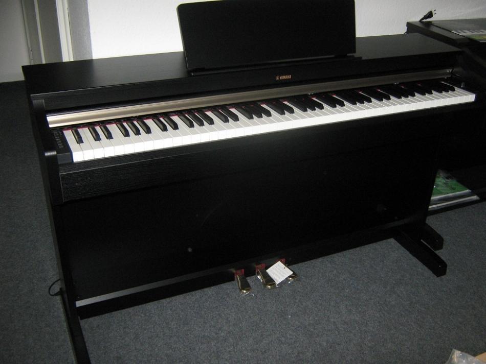 digitalklavier yamaha ydp 162 kaufen pianova. Black Bedroom Furniture Sets. Home Design Ideas