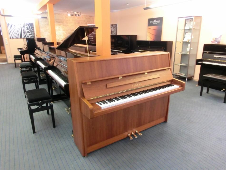 klavier yamaha p116 kaufen yamaha klavier mod e 116 gerbraucht pianova. Black Bedroom Furniture Sets. Home Design Ideas