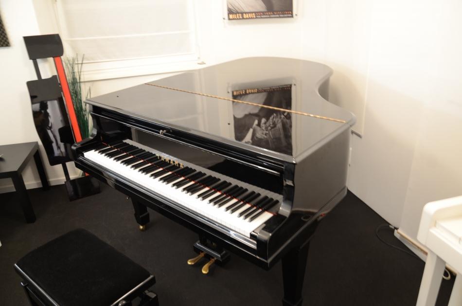 fl gel yamaha kaufen klangstarker yamaha fl gel pianova. Black Bedroom Furniture Sets. Home Design Ideas