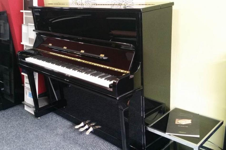 klavier bl thner a 124 kaufen ausstellungsst ck zum besten preis uvp pianova. Black Bedroom Furniture Sets. Home Design Ideas