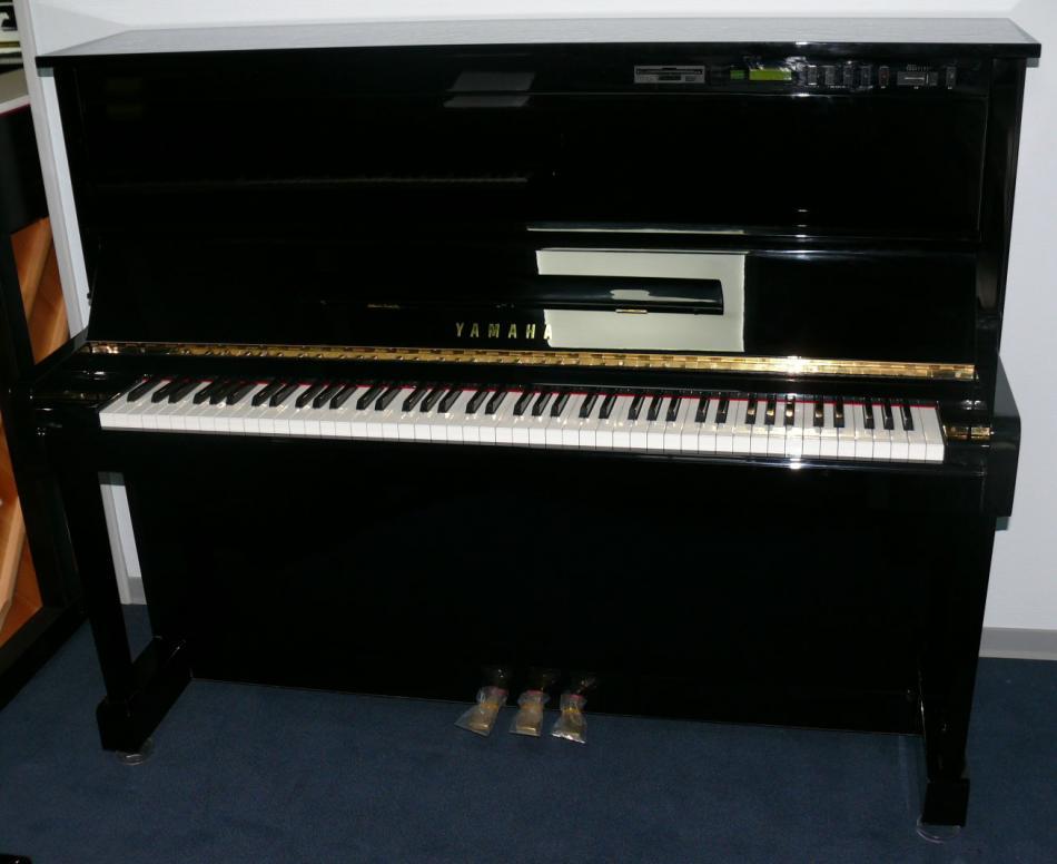 klavier yamaha kaufen pianova. Black Bedroom Furniture Sets. Home Design Ideas