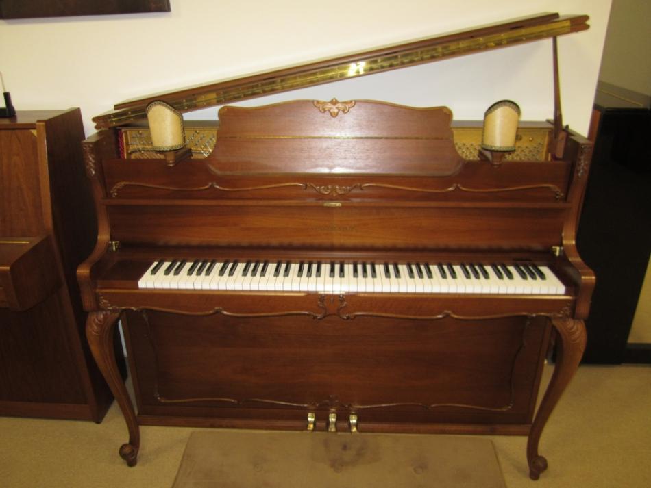 klavier schimmel c112 kaufen modell barock mit leuchtern und passender sitzbank pianova. Black Bedroom Furniture Sets. Home Design Ideas