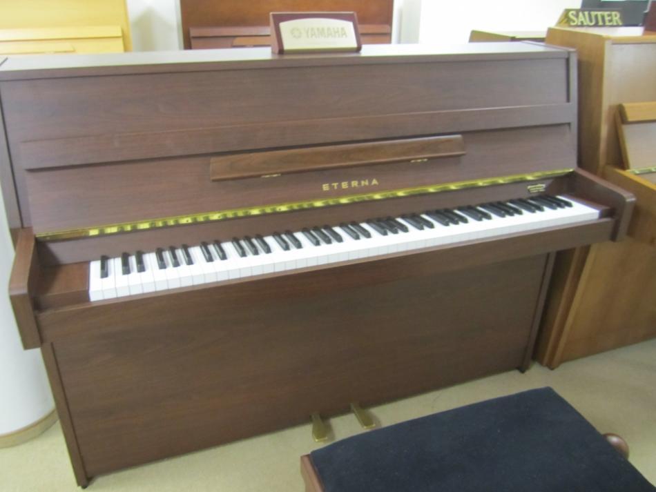 klavier yamaha kaufen eterna er 10 hergestellt in japan f r deutschland pianova. Black Bedroom Furniture Sets. Home Design Ideas