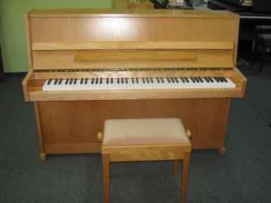 klavier klug sperl kaufen sch nes gebrauchtes einsteigerklavier pianova. Black Bedroom Furniture Sets. Home Design Ideas